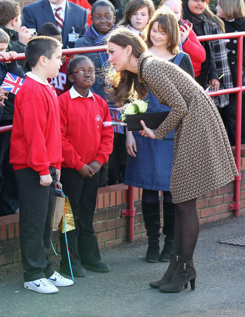 Kate Middleton wore Orla Kiely to chat with children.