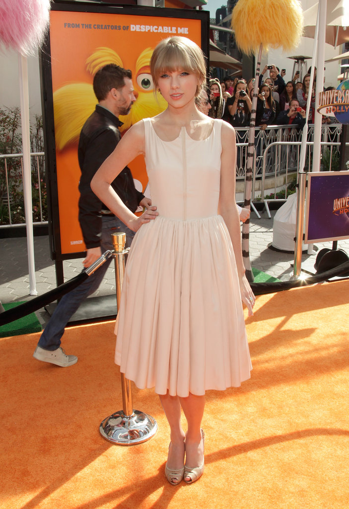 Taylor Swift looked perfectly ladylike in Honor at The Lorax premiere.  Shop the look: 4768119