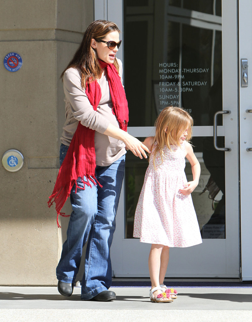 Jennifer Garner and Violet Affleck leaving the library.