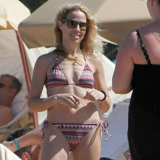 Sheryl Crow Bikini Pictures in Hawaii