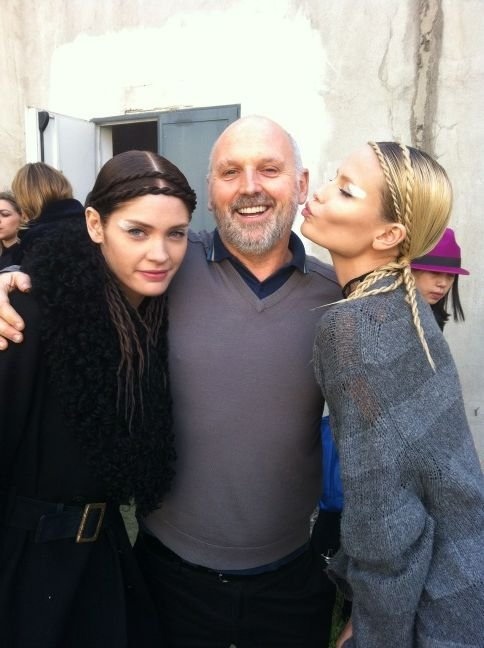 Sam McKnight posed with models, including Natasha Poly at the Fendi show. Twitter User: sammcknight1