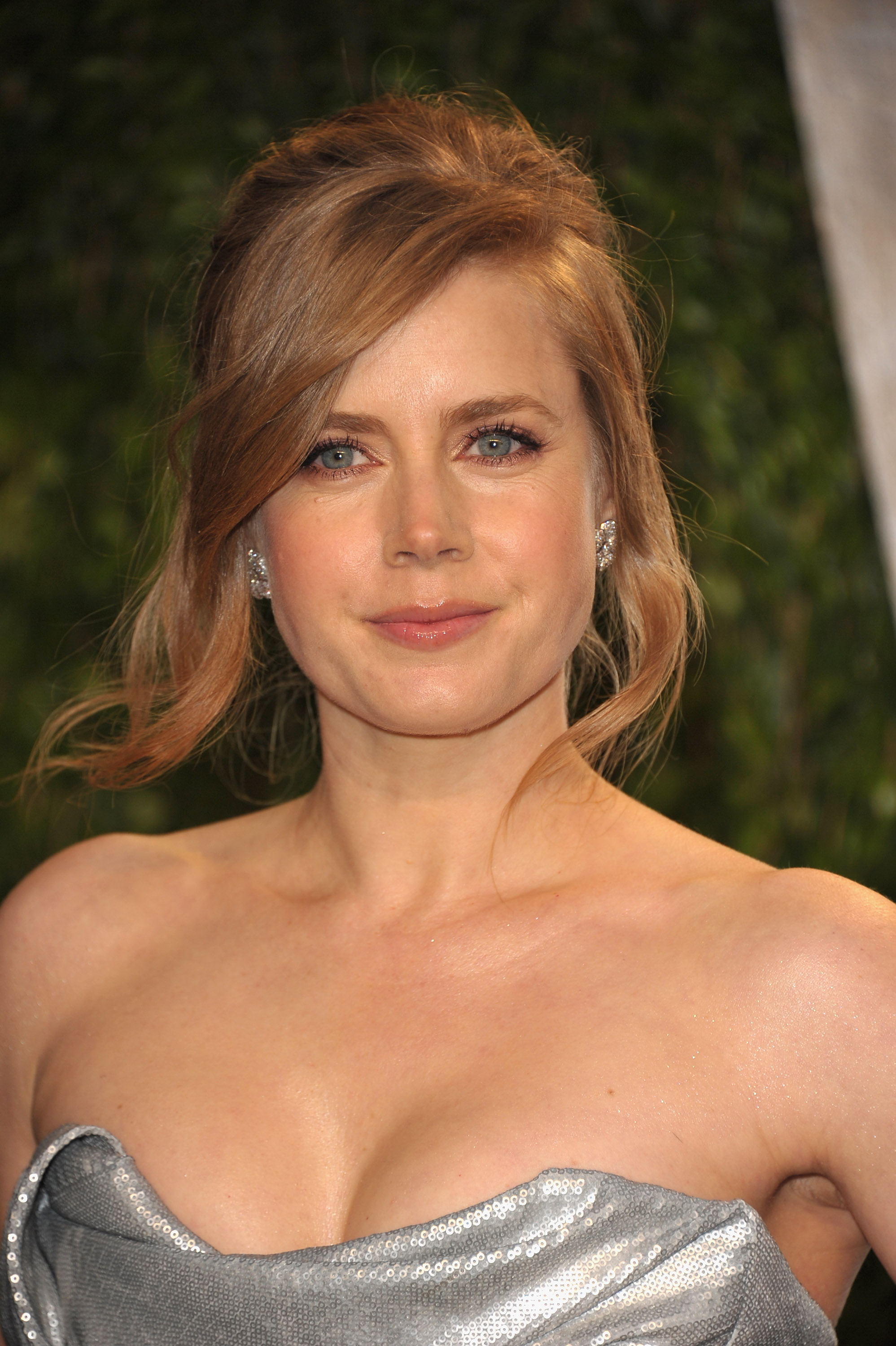 Amy Adams up close at the Vanity Fair party.
