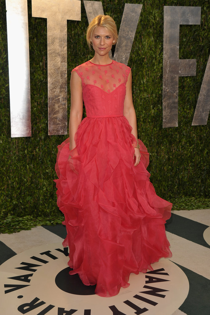 Claire Danes arrives at the Vanity Fair party in Valentino.