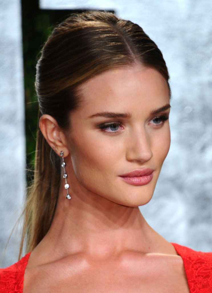 Rosie Huntington-Whiteley added a delicate pair of JewelMint earrings to her look.
