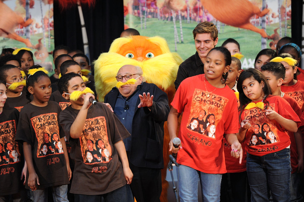 Danny DeVito snapped a photo with a group of kids.