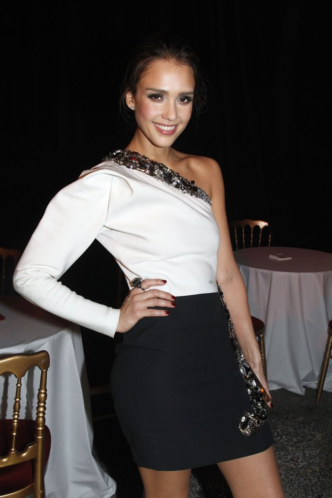 Jessica Alba Looks Lovely For Lanvin at Paris Fashion Week
