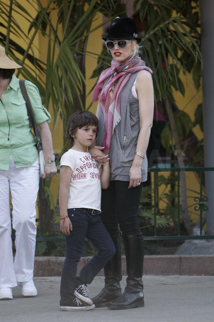 Gwen Stefani and Kingston at Knott's Berry Farm.