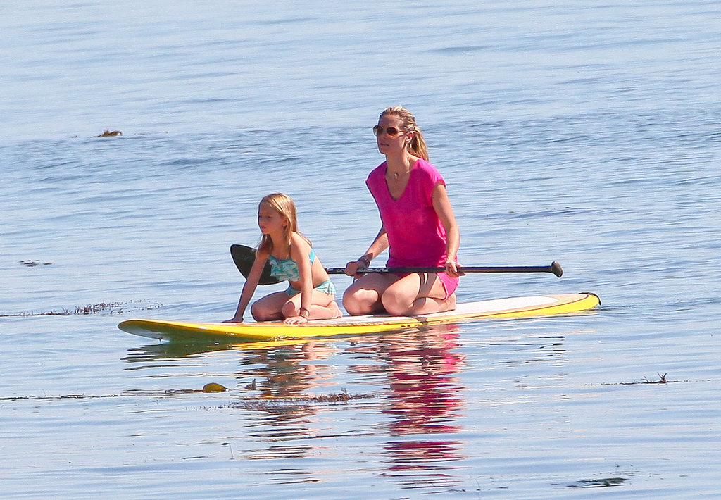 Leni Samuel took the lead as Heidi Klum paddled.