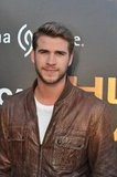 Liam Hemsworth continued his mall tour.