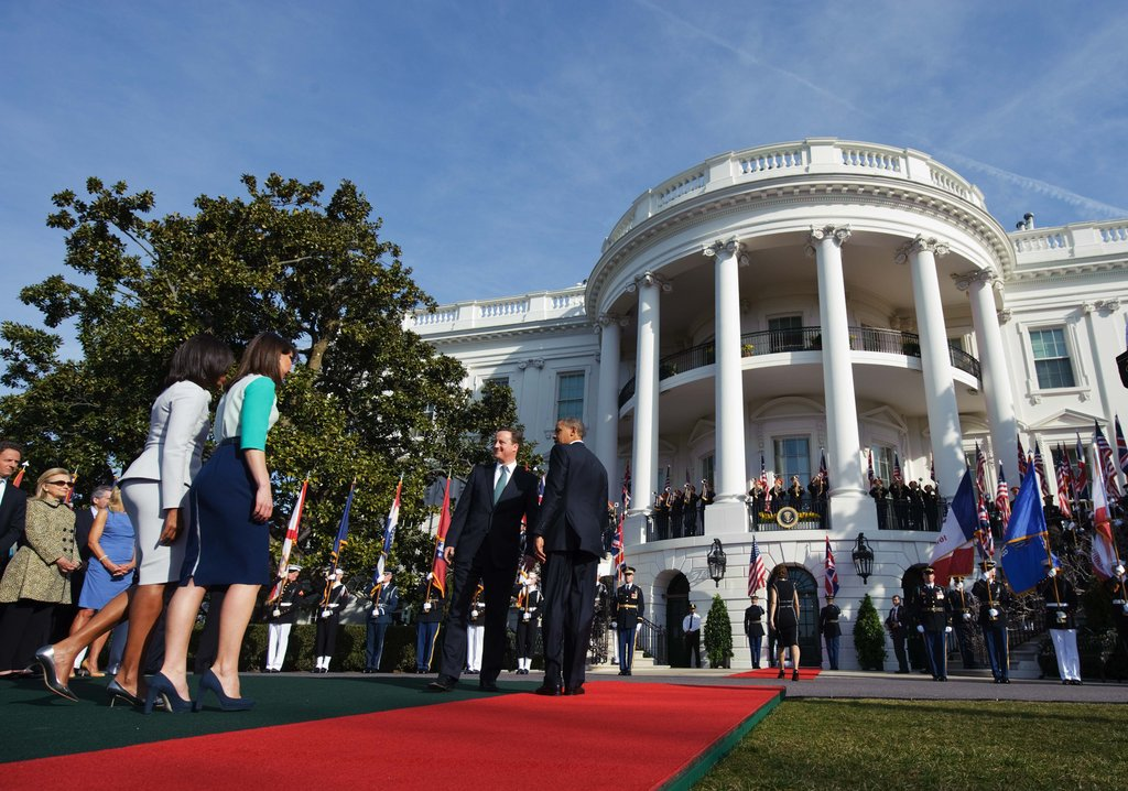The first couples arrive at the White House.