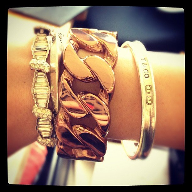 Shutupilovethat had us mesmerized with her armful of gold jewels.