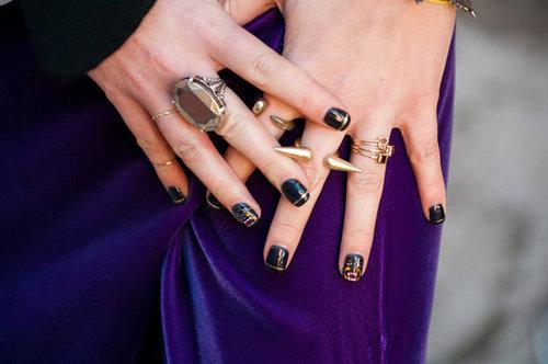 JuliasGivenchy-esque rottweiler nails.