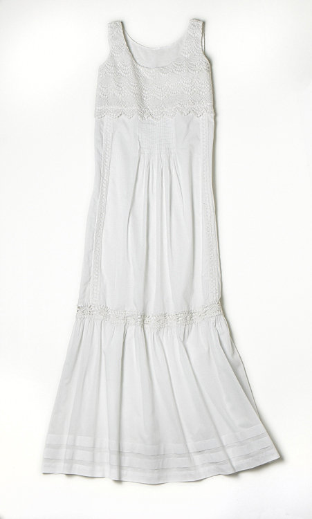 Alberta Ferretti for Macy's Impulse White Maxi Dress ($119)