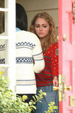 AnnaSophia Robb as Carrie Bradshaw on set of The Carrie Diaries.