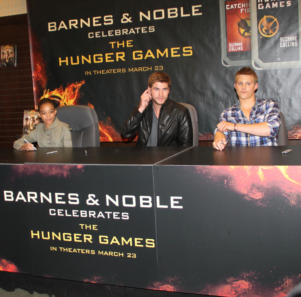 Liam Hemsworth joined Amandla Stenberg and Alexander Ludwig at a Barnes & Noble in LA.