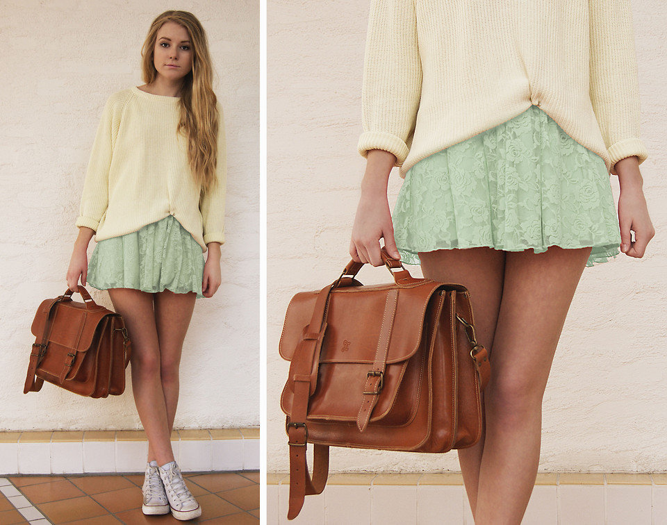 A toned-down take on pastels accessorized with comfy, cool Chucks.  Photo courtesy of Lookbook.nu