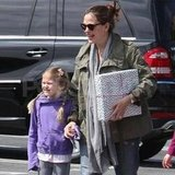 Jennifer Garner going to a birthday party with Violet.