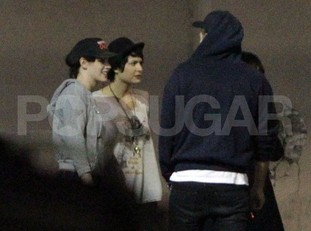 Kristen Stewart and Robert Pattinson hung out with friends at a shoot for Katy Perry in LA.