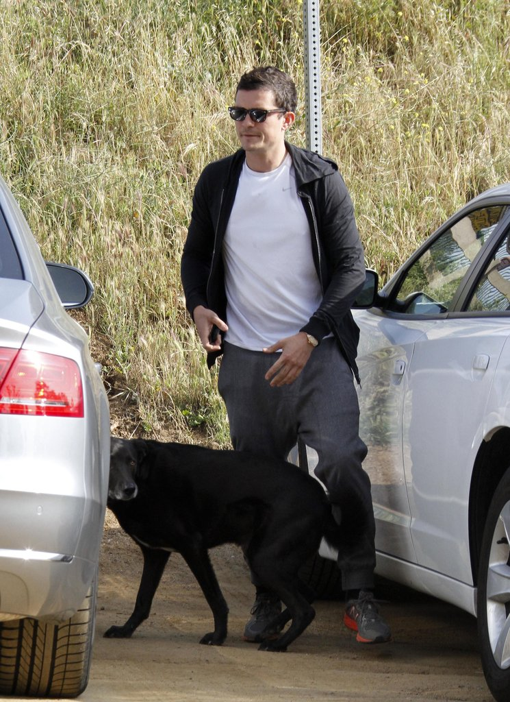 Orlando Bloom hiked with dog Sidi.