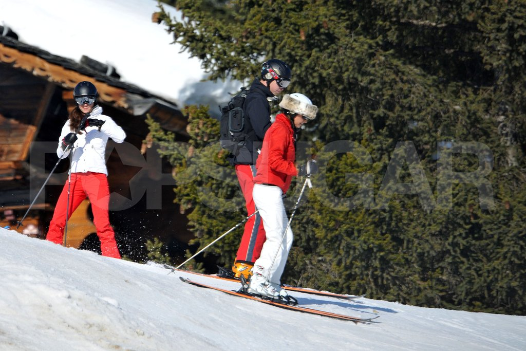 Kate Middleton watched her mother, Carole Middleton, and her husband, Prince William, head down the slopes in France.
