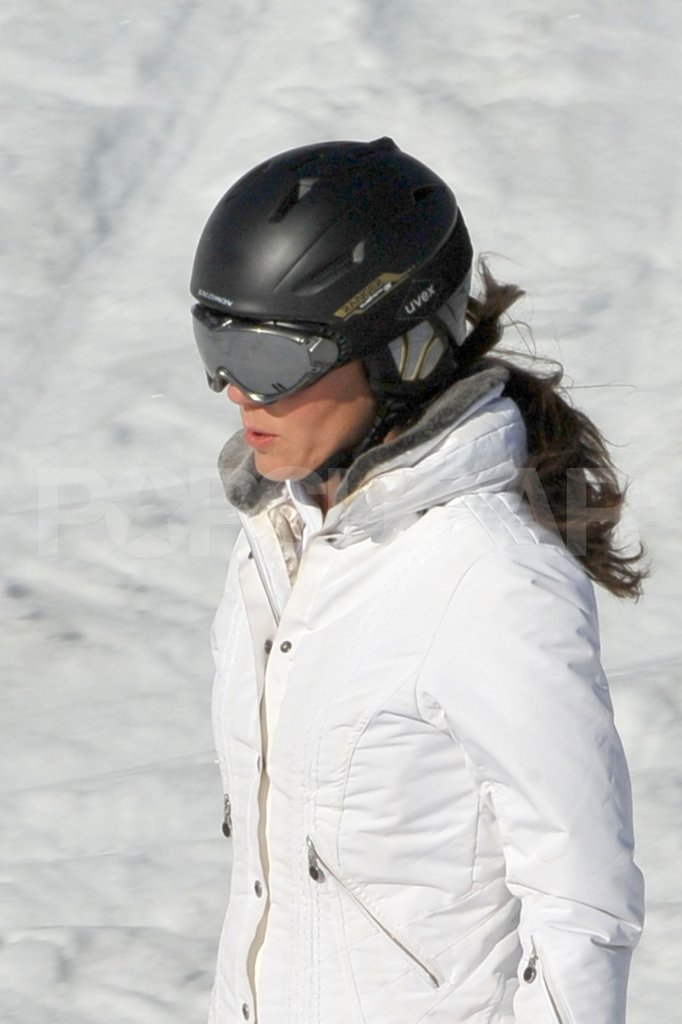 Kate Middleton on vacation with her family and Prince William in France.