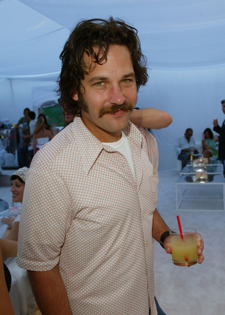 Paul Rudd grabbed a drink at the Aug. 2003 Aaliyah Memorial Fund gala in LA.