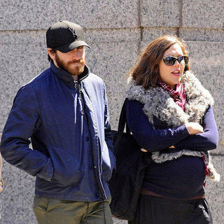 Maggie Gyllenhaal and Jake Gyllenhaal Walking NYC Pictures
