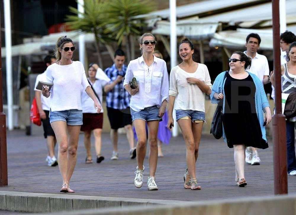 Brooklyn Decker, Chrissy Teigen, and Erin Andrews went for a stroll in Australia together.