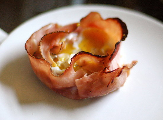 Baked Eggs in Ham Cups