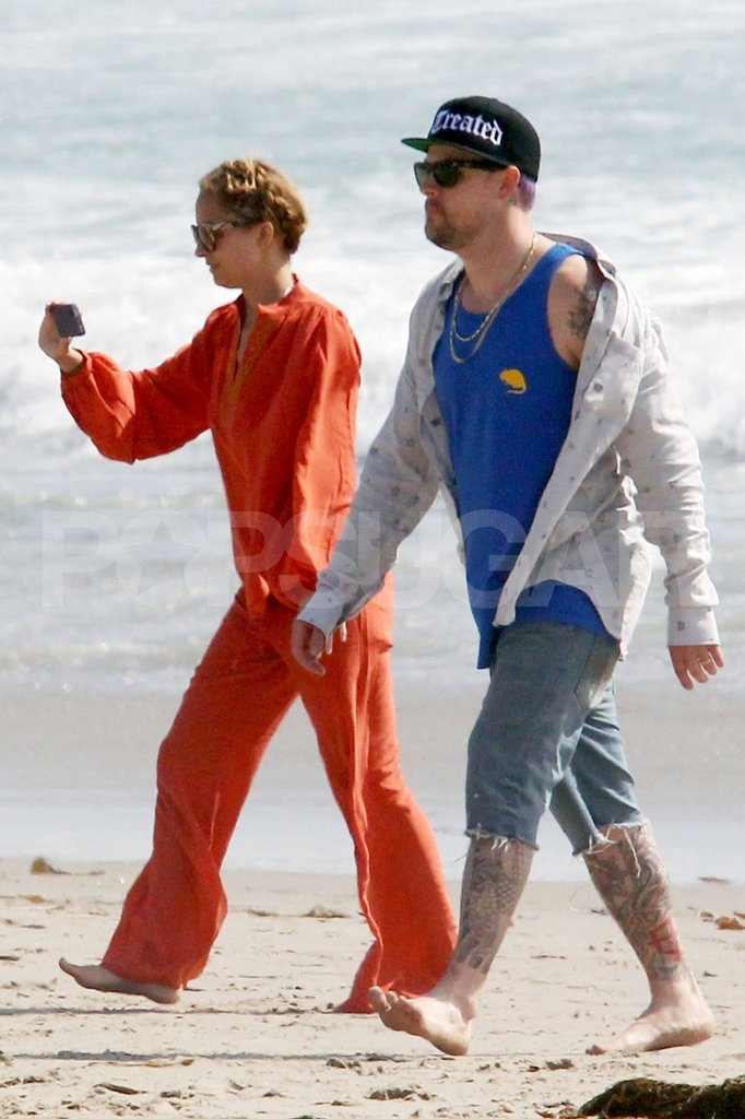 Nicole Richie and Joel Madden took a stroll on the beach in Malibu for Easter.