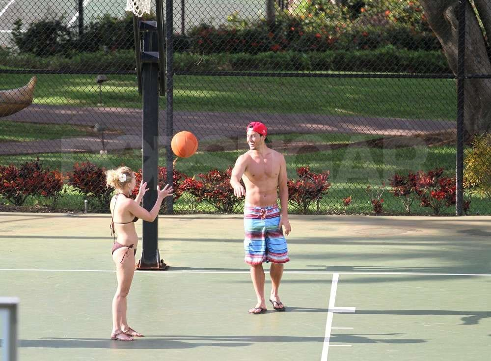 Hayden Panettiere moved onto basketball with boyfriend, New York Jets wide receiver, Scotty McKnight, in Hawaii.