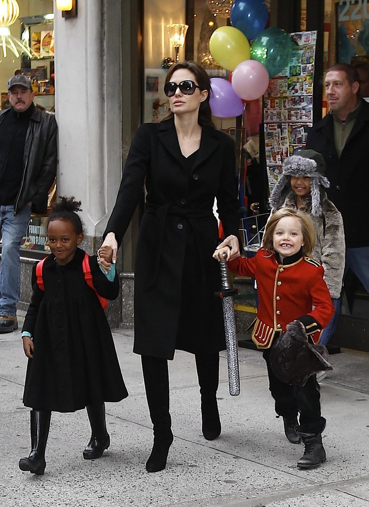 In December 2010, Angelina Jolie hung out in NYC with her girls, Shiloh and Zahara.