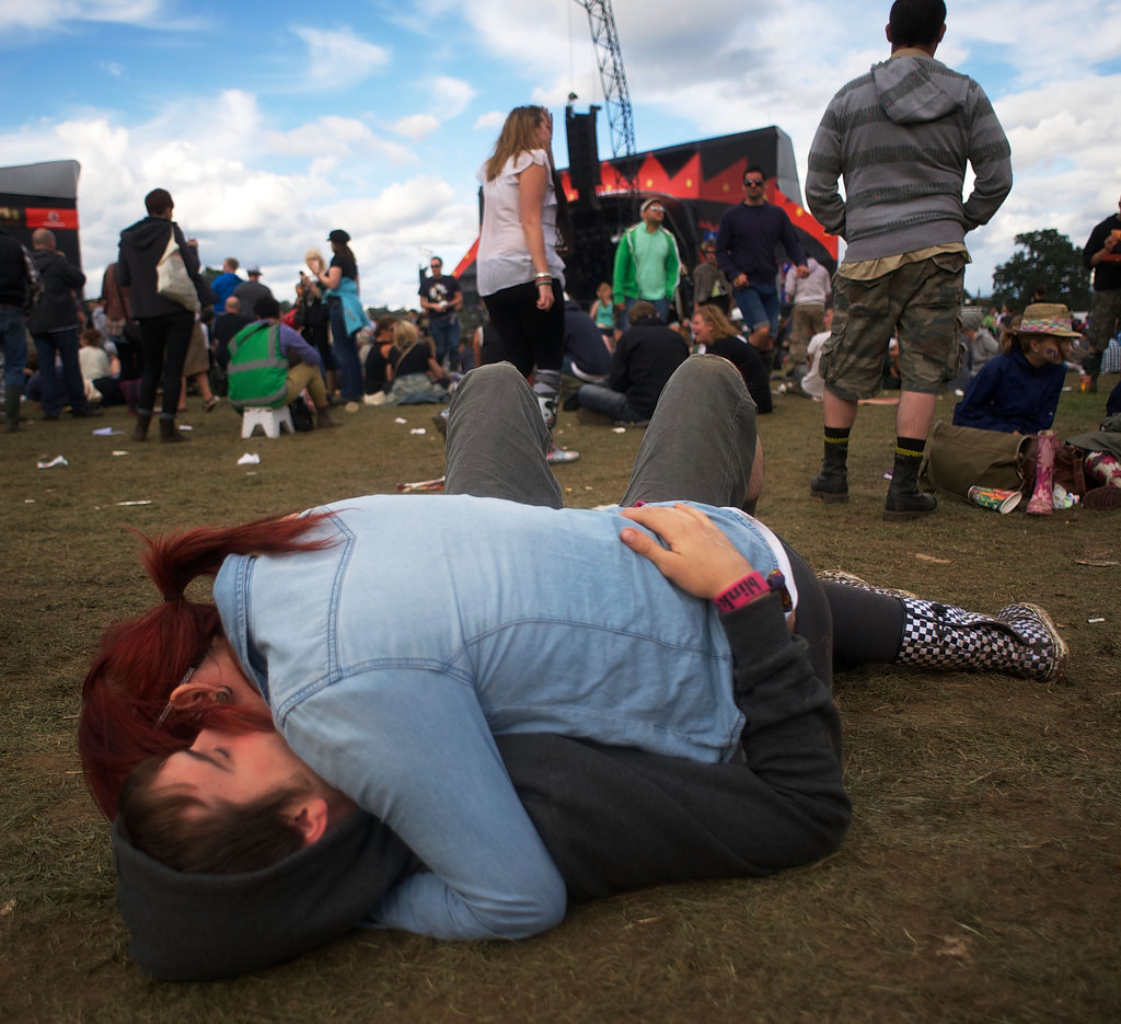 This pair didn't hold back at the Reading Festival in England.