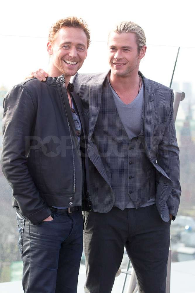 Onscreen brothers and rivals Tom Hiddleston and Chris Hemsworth posed together for a picture.