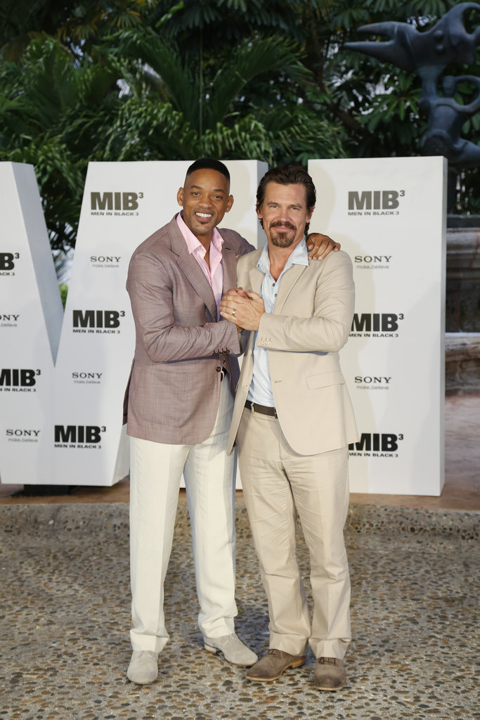 Will Smith and Josh Brolin posed for a photo together in Cancun.