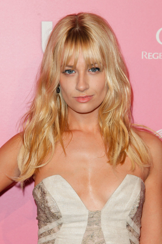 Beth Behrs of 2 Broke Girls at the Us Hot Hollywood party.