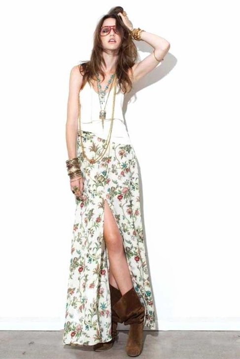 The slit-legged detail adds just the right amount of sexy to this floral printed maxi. For Love and Lemons Santa Fe Maxi Skirt in Cream Floral ($129)