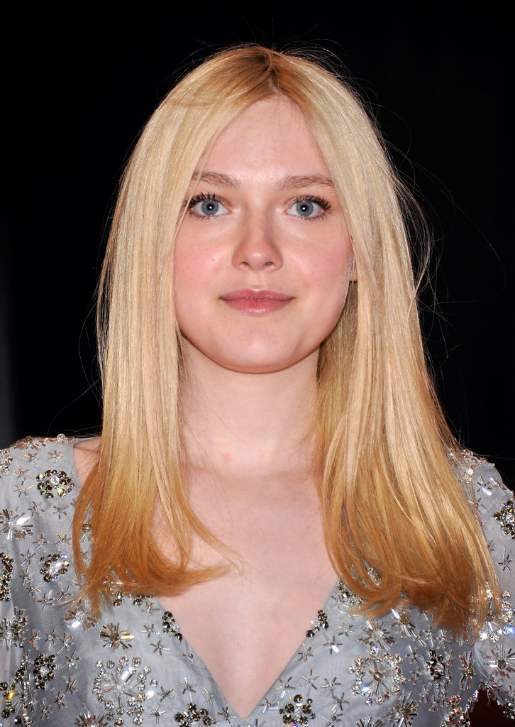 Dakota Fanning looked gorgeous at the White House Correspondant's Dinner.