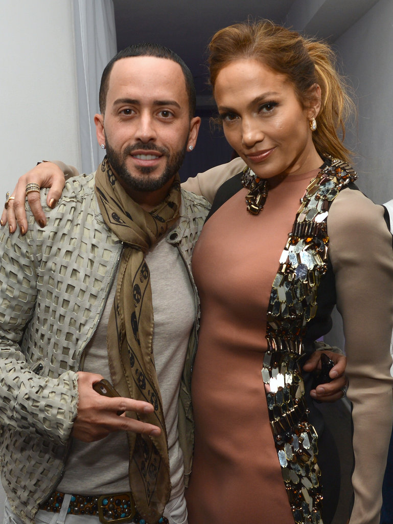 Jennifer Lopez got together with Yandel at her press conference.