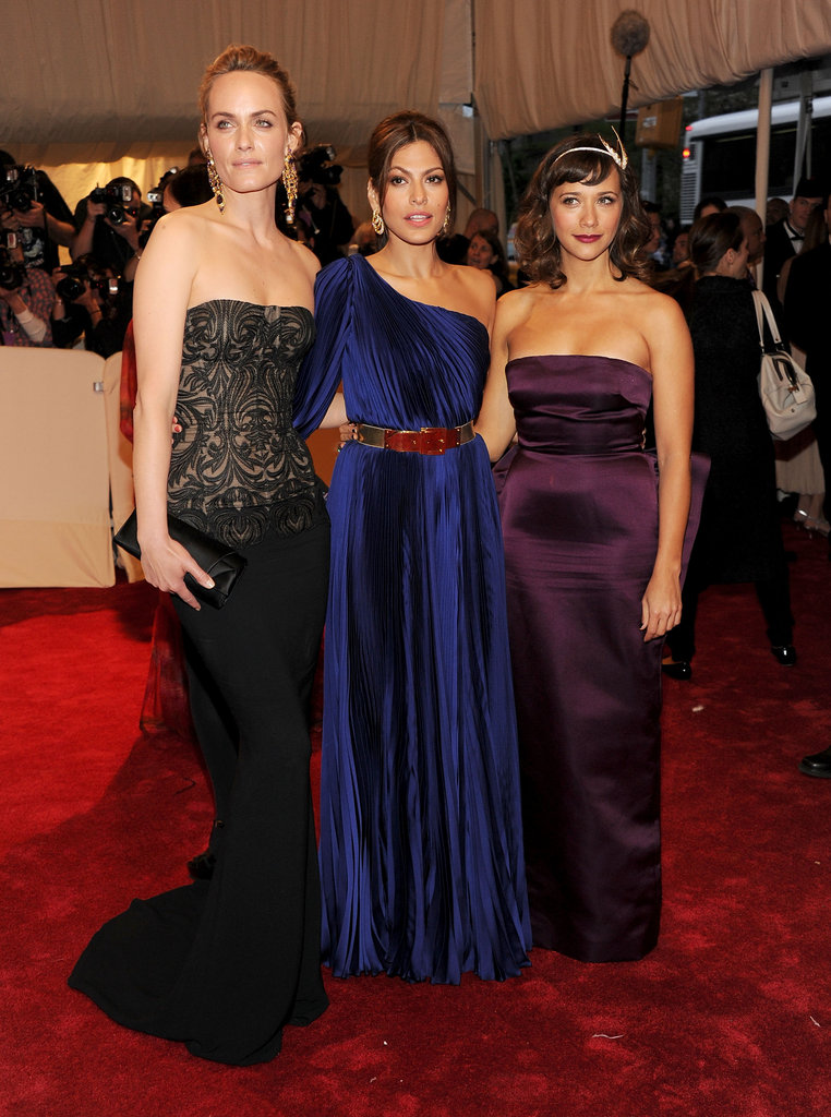 Amber Valletta, Eva Mendes, and Rashida Jones