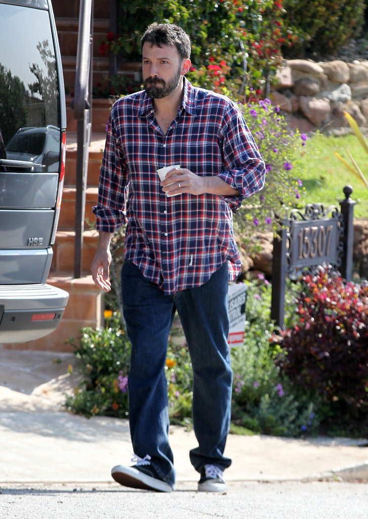 Jennifer Garner and Ben Affleck Take Care of Their Girls on Sunny LA Saturday