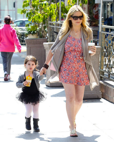 Pregnant Sarah Michelle Gellar Has a Sunny LA Day With Charlotte
