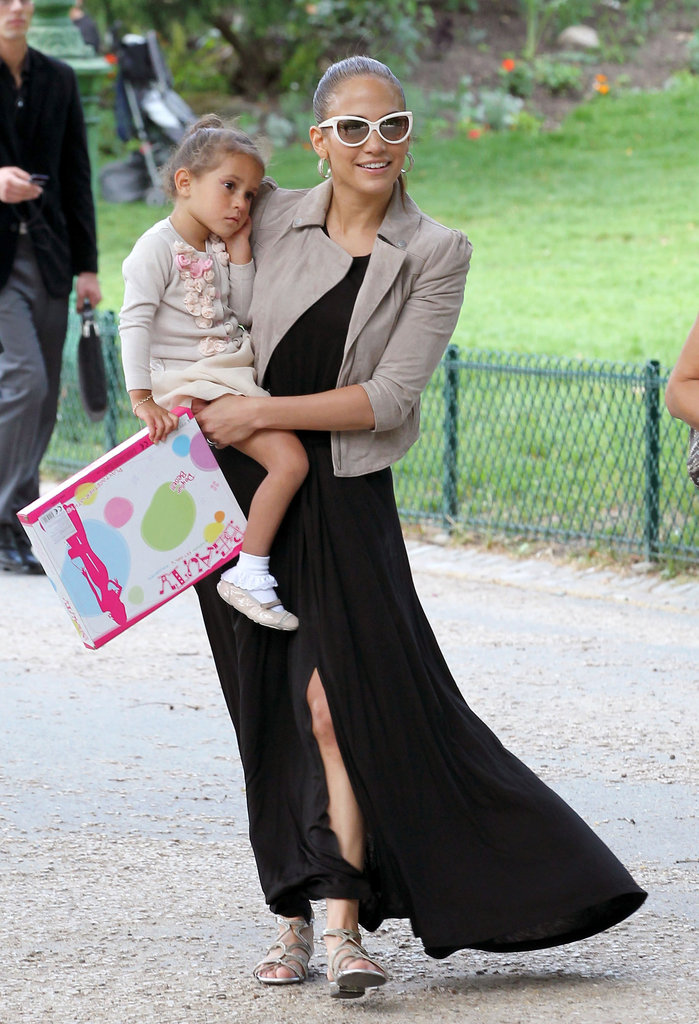 Jennifer Lopez took a walk with daughter Emme Muniz during a trip to Paris in June 2011.