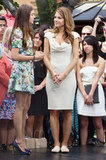 Nina Dobrev wore heels while Maria Menounos was in flats.
