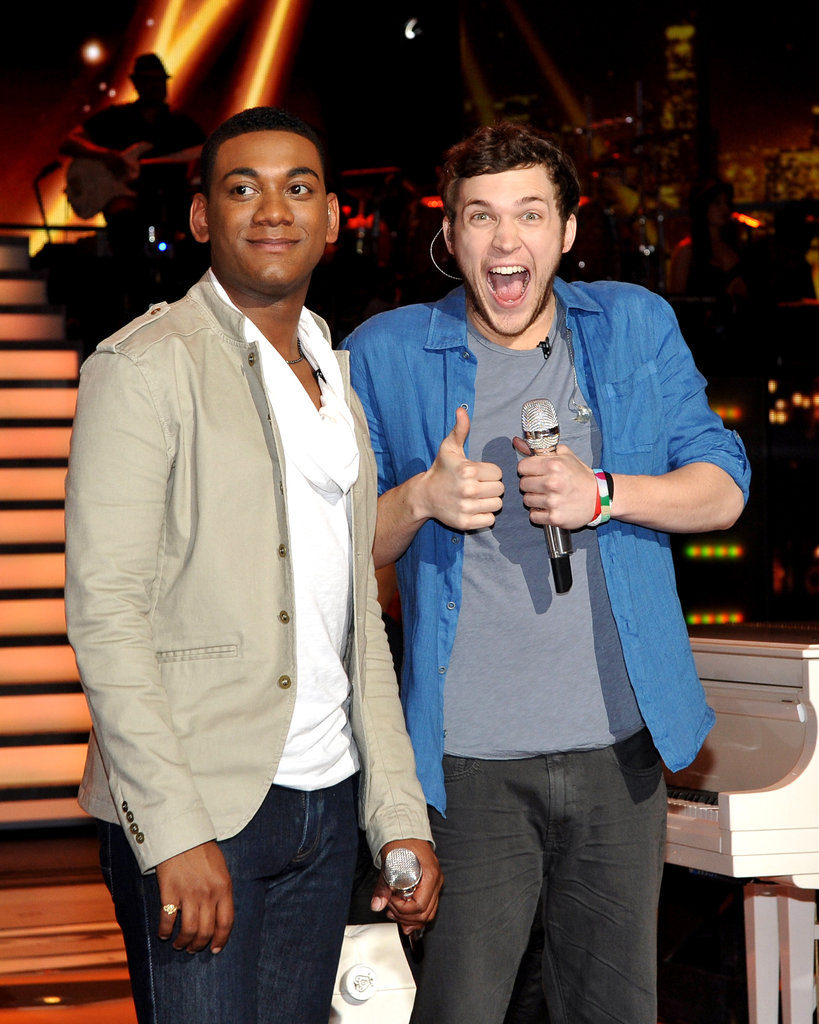 Joshua Ledet and Phillip Phillips performed a duet.