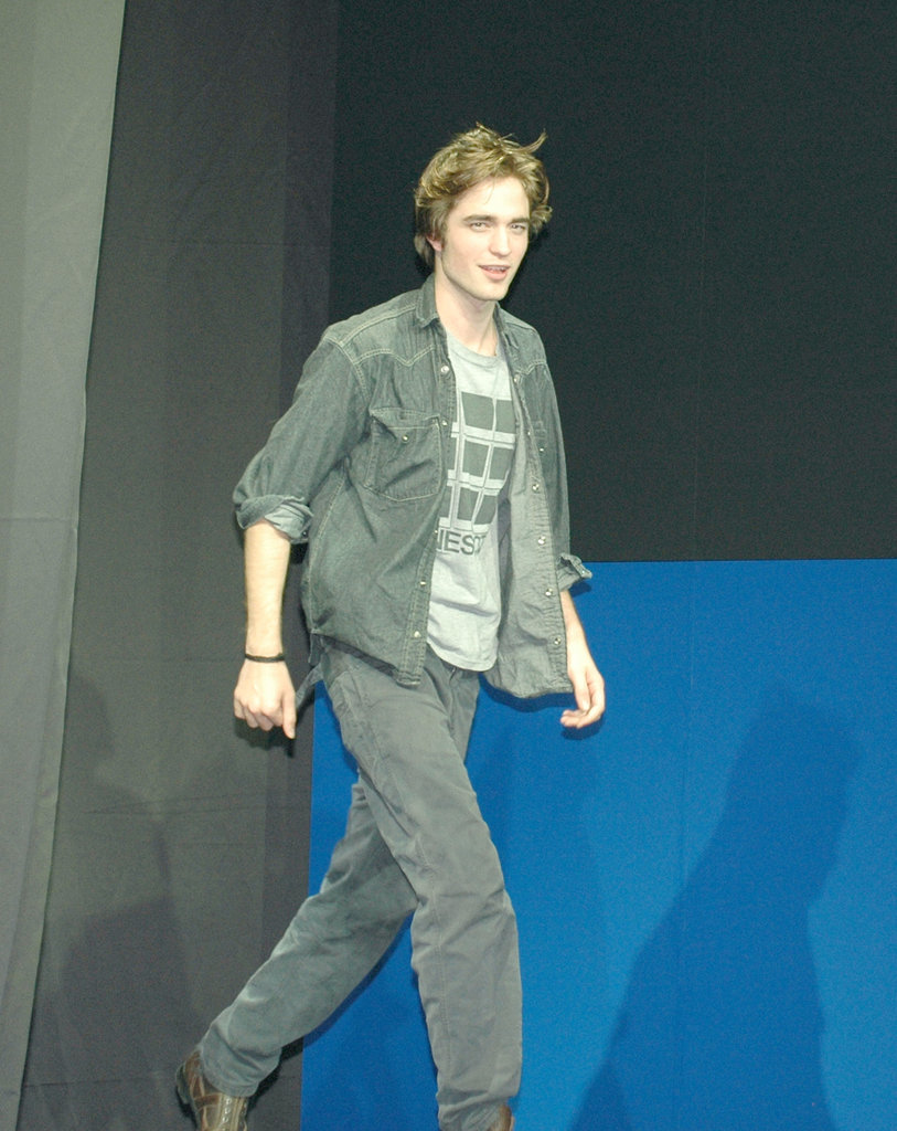 In November 2005, Robert was in Tokyo for a Harry Potter and the Goblet of Fire press conference.