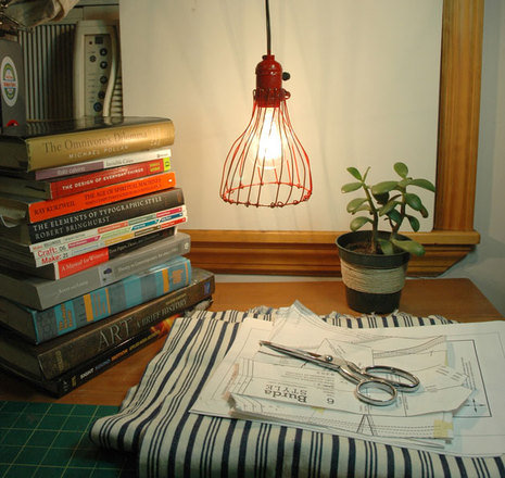 Make this Industrial Pendant Lamp with just a few items from the hardware store! Source: Curbly