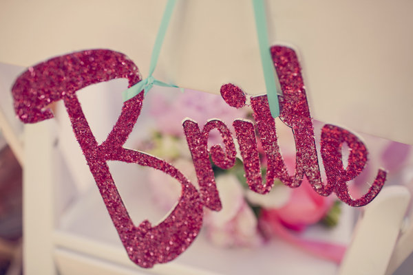 "Retro Glitter ""Bride"" Sign"