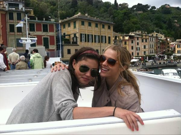 Teresa Palmer enjoyed Italy with a friend. Source: Twitter user tez_palmer