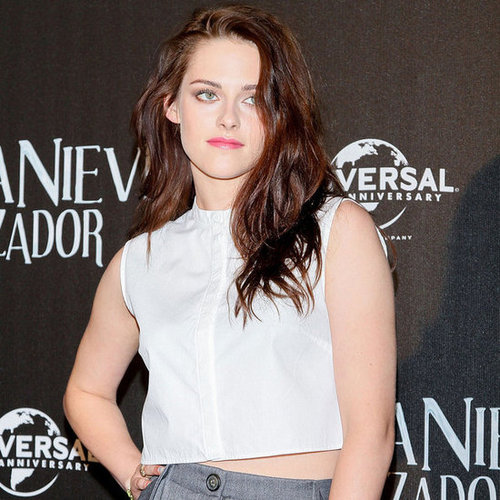 Kristen Stewart Shows Off Her Midriff With Sam Claflin In Mexico City